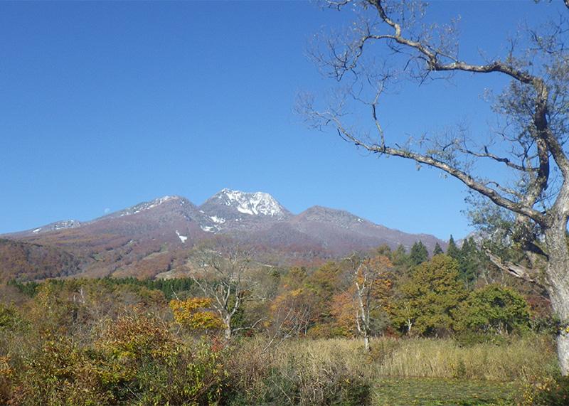晩秋の妙高山